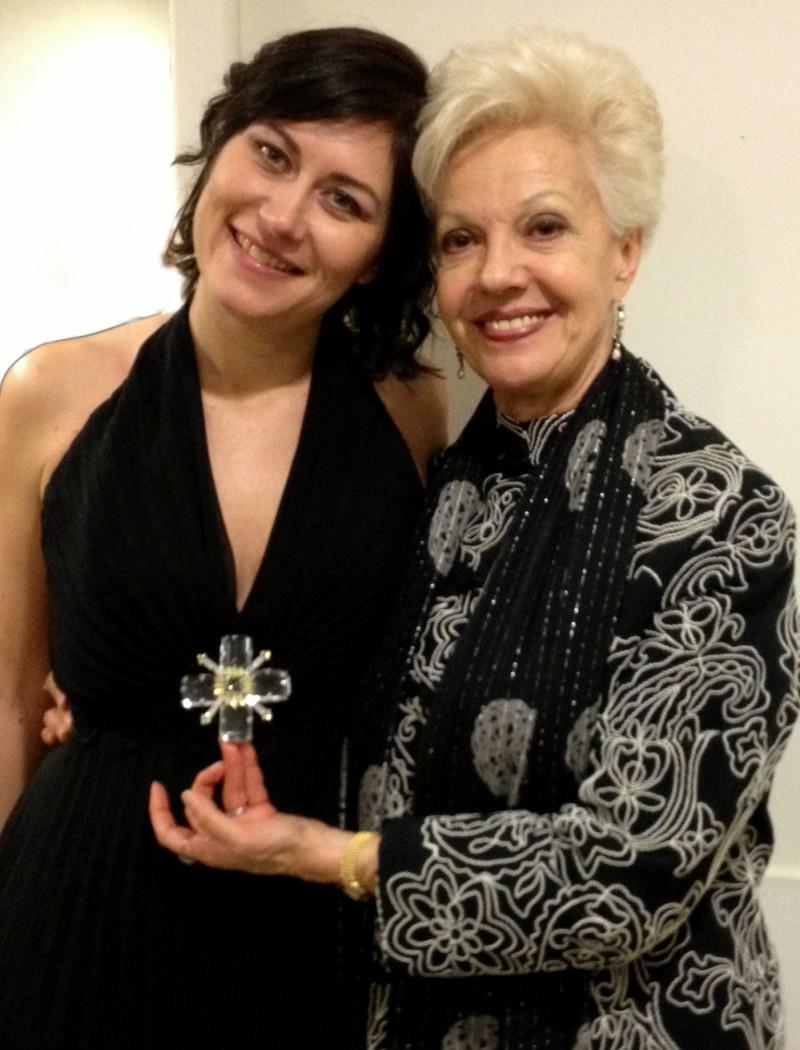 Con Raina Kabaiwanska